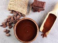 Рецепта Домашен течен шоколад с авокадо, какао, кокосово масло, банан и стевия